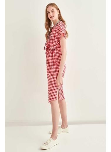 Vitrin Pötikare Desenli Belden Büzgülü Düşük Kol Elbise Kırmızı